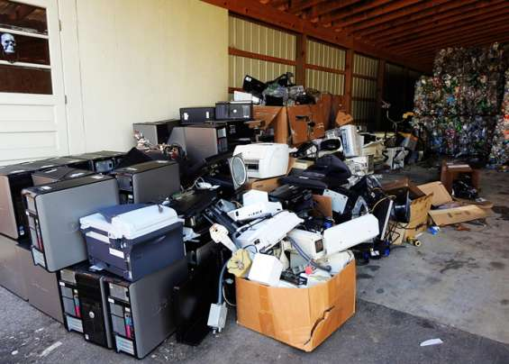 Junk king is giving commercial waste removal service in auckland at very reasonable and affordable price. contact us today to save your money and time.